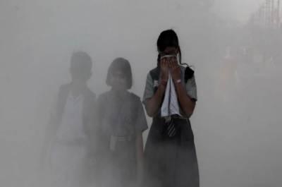 بھارت:نئی دہلی میں فضائی آلودگی کے باعث تمام سکول بند