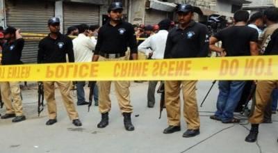 پشاور:گاڑی پرنامعلوم افراد کی فائرنگ,ڈی ایس پی سی ٹی ڈی شہید