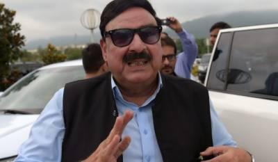 راولپنڈی:شیخ رشید نےریلوےاسٹیشن پر سٹیم انجن سفاری ٹرین کا افتتاح کردیا