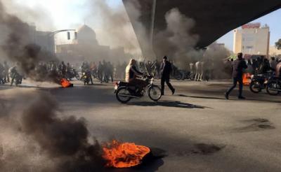 ایران میں پٹرول مہنگا ہونے کے خلاف احتجاج، ہلاکتیں 36 ہوگئیں