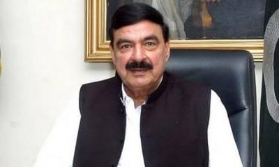مسلم لیگ (ق) عمران خان کے ساتھ کھڑی ہے اور میں کابینہ میں ردوبدل سے واقف نہیں ہوں : شیخ رشید