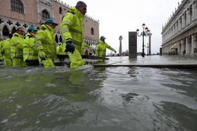 اٹلی کے شہر وینس میں سیلاب کی تباہ کاریوں کے باعث ایمرجنسی نافذ