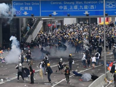 ہانگ کانگ مظاہرین کے خلاف گولیوں کا استعمال کر سکتے ہیں، پولیس کا انتباہ