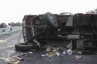 پاکپتن میں تیز رفتار ٹرک اور بس میں تصادم ، 9 افراد جاں بحق،7زخمی ،3کی حالت تشویشناک