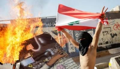 لبنان میں سیاسی نظام کیخلاف احتجاج جاری،مظاہرے نے پارلیمنٹ کا اجلاس ملتوی کرا دیا