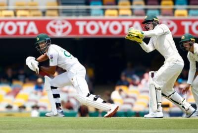 پاکستان کی آسٹریلیا کے خلاف ٹیسٹ میچ میں بیٹنگ جاری