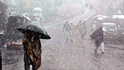 ملک کے بیشتر علاقوں میں بارش، پہاڑوں پر برفباری کا امکان