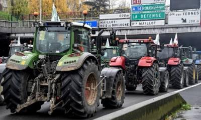 فرانس، زراعت کےلئے نئی حکومتی پا لیسیوں کے خلاف کسانوں کا احتجاج