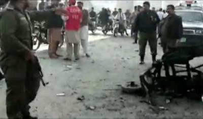 لاہور:چوبرجی کے قریب رکشےمیں دھماکہ,5افرادذخمی