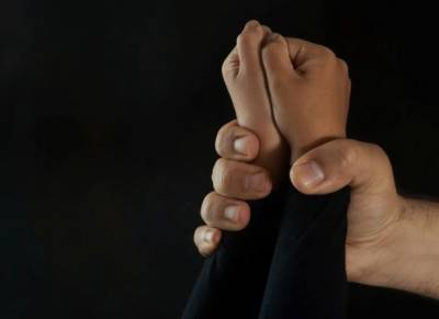ٹھٹھہ:دوسری جماعت کی7سالہ طالبہ زیادتی کے بعد قتل,لاش کھیتوں سے برآمد