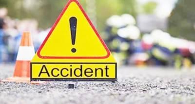 تیز رفتار گاڑی نے موٹر سائیکل سوار کو روند ڈالا