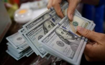 اوپن مارکیٹ:ڈالر کی قیمت کم ہو کر 154.70 روپے ہوگئی