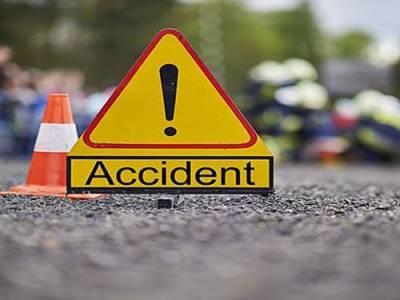 حافظ آباد ، کار اور موٹر سائیکل کے تصادم میں4 افراد جاں بحق ،1زخمی