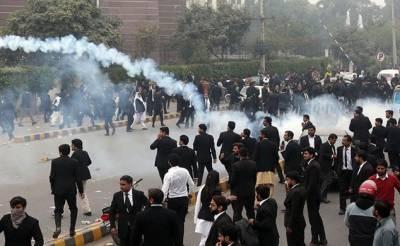 شہرِ قائد کے ڈاکٹروں کو بھی نہیں چھوڑیں گے:وکلاء کی دھمکی کی تازہ ویڈیو وائرل