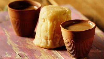 سردی پڑتے ہی سرگودھا میں گڑ والی چائے کی مانگ میں نمایاں اضافہ دیکھنے میں آیا