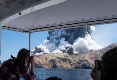 نیوزی لینڈ میں آتش فشاں پھٹنے سے ہلاکتوں کی تعداد 18تک پہنچ گئی