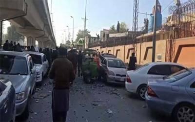 پشاور ہائیکورٹ کے باہر رکشے میں سلنڈر دھماکا، پولیس اہلکار سمیت 3 افراد زخمی