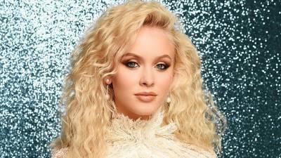 سویڈن گلوکارہ زارا لارسن نے اپنی 22 ویں سالگرہ منائی