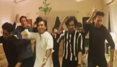 اداکار جاوید شیخ اور بہروز سبزواری کے ڈانس کی ویڈیو سوشل میڈیا پر وائرل