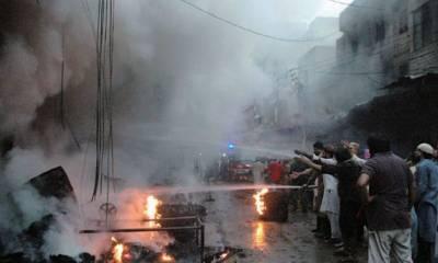 مقبوضہ کشمیر ،آتشزدگی کے پر اسرار واقعے میں 18 دکانیں خاکستر