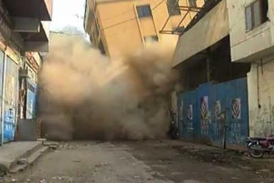 عمارت پراناحاجی کیمپ ٹمبرمارکیٹ میں گرگئی