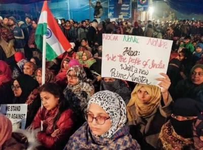 بھارت: مودی سرکار مسلم خواتین کےعزم و استقلال سے پریشان،ریکارڈ سردی میں شیر خوار بچوں کے ساتھ دھرنا