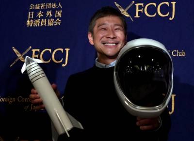 جاپانی ارب پتی شخص کی گرل فرینڈ کے ساتھ چاند پر جانے کی خواہش