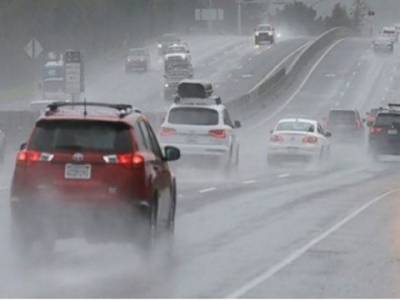 متحدہ عرب امارات موسلادھار بارشوں نے تباہی مچادی ، نظام زندگی مفلوج، ایک شخص جاں بحق