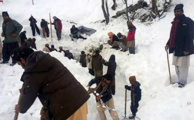 آزا د کشمیرسمیت پاکستان میں لینڈ سلائیڈنگ، برفانی تودے اور چھتیں گرنے سے ہلاکتوں کی تعداد سو ہوگئی