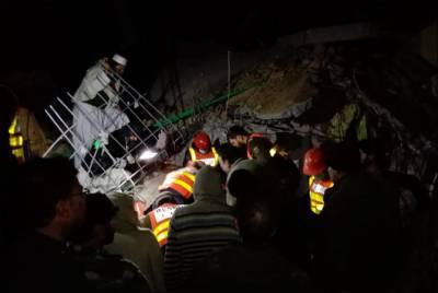 سوات مینگورہ میں مکان گر کر تباہ، 3 جاں بحق، بچے معجزانہ طور پر بچ گئے