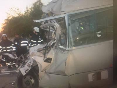 ابوظہبی ، بس اورکار میں تصادم ، 6 افراد ہلاک، 19 زخمی