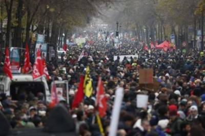 فرانس میں ہڑتال سے ایک ارب یورو کا نقصان