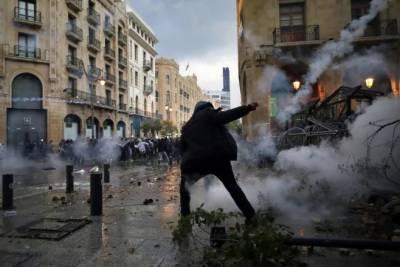 مظاہرین کی لبنانی پارلیمنٹ پر دھاوے کی کوشش ناکام,جھڑپوں میں 75زخمی