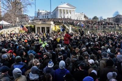 امریکی ریاست ورجینیا میںگن کنٹرول سے متعلق قوانین کے خلاف بڑا مظاہرہ ، شدید سردی کے باوجود ہزاروں افراد کی شرکت