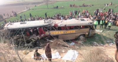مسافر بس اور ٹریکٹر ٹرالی میں تصادم،3 افراد جاں بحق