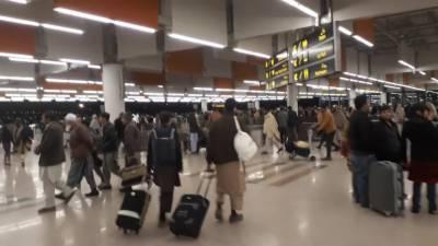 خیبرپختونخوا :ایئرپورٹ پر مسافر سے بدتمیزی، عمرہ زائر کو روانگی سے روک دیا