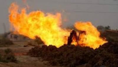 رحیم یار خان:36 انچ قطر کی گیس لائن میں دھماکے کے بعد آگ لگ گئی