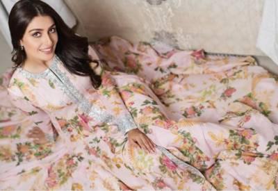 اداکارہ عائزہ خان کےنئے فوٹو شوٹ نے سوشل میڈیا پر ہلچل مچادی