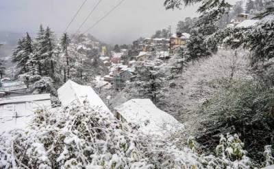 جلال آباد آشکومن میں شدید برف باری کے بعد برفانی تودے گرنے کا خدشہ