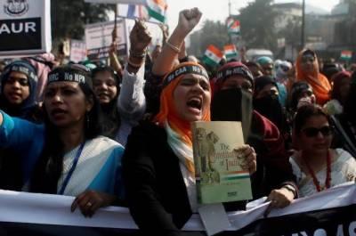 بھارت:متنازعہ شہریت قانون کے خلاف ملک گیرپُرتشدد مظاہرے