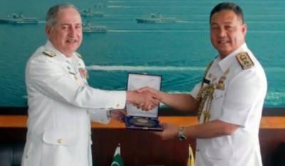 امیر البحر ایڈمرل ظفر محمود عباسی کا برونائی کے دورہ کے دوران اعلی عسکری قیادت سے ملاقات