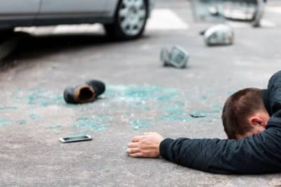 سڑک پار کرتے موبائل کا استعمال خطرناک قرار، سالانہ 2لاکھ ہلاکتیں ریکارڈ، تحقیق