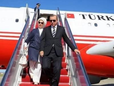 ترک صدر رجب طیب اردگان پاکستان پہنچ گئے