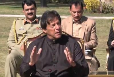 مجھ سے زیادہ لڑنا کوئی نہیں جانتا,میں کرپٹ نہیں،جو کرپشن کرتے ہیں فوج کا ڈر انہیں ہوتا ہے:وزیراعظم عمران خان
