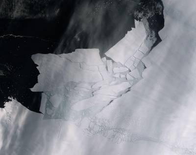 انٹارکٹیکا:گلیشیئر کا بڑا ٹکڑا ٹوٹ کر الگ ، ماہرین نے خطرے کی گھنٹی بجادی