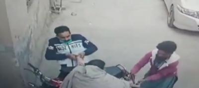 لاہور :بزرگ خاتون کیساتھ رہزنی کی خوفناک واردات