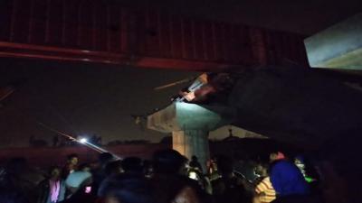 بھارت،پلر کھسکنے سے زیر تعمیر پل گر گیا،2مزدور ہلاک،7زخمی
