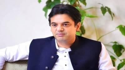 عمران خان کے کامیاب نوجوان پروگرام نے ذہین اور باصلاحیت نوجوانوں کے لیے کامیابی کے درکھول دیئے ہیں، عثمان ڈار