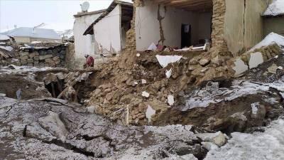 ایران اور ترکی کےسرحدی علاقوں میں 5.7 شدت کا زلزلہ،7افراد ہلاک،متعدد زخمی