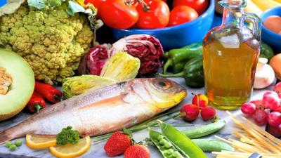 پھل، سبزیاں، زیتون کا تیل، مچھلی اور دالوں کا زیادہ استعمال صحت کیلئے مفید قرار